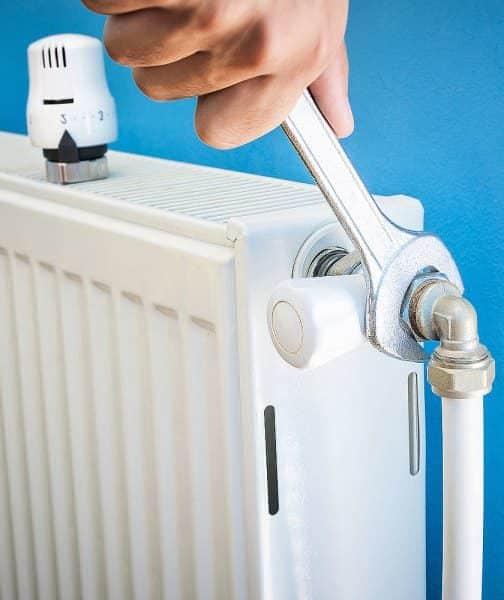 Réparation d'un radiateur par Planète énergies