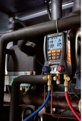 Entretien d'une pompe à chaleur par Planète Energies sur la ville de Saint-Genis-Laval.