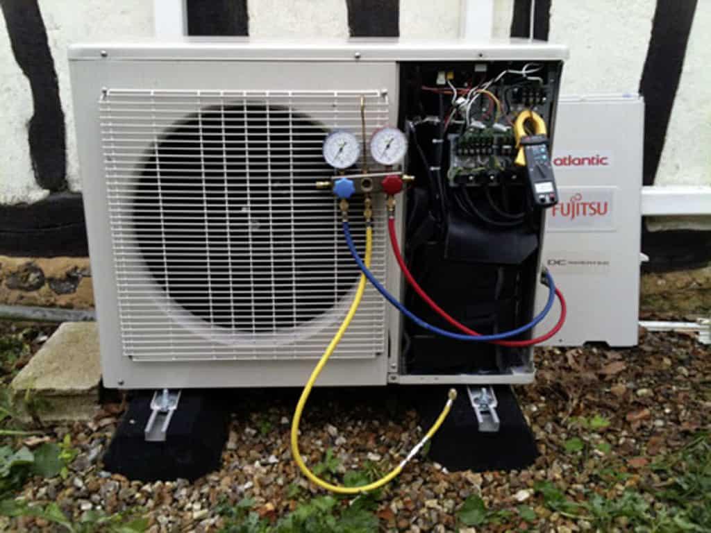 Réparation par Planète Energies d'une pompe à chaleur sur la ville de Francheville